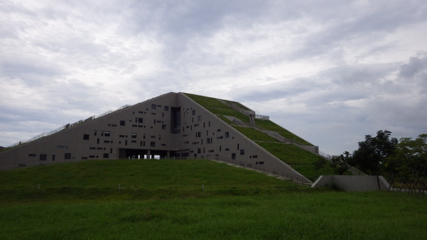 Taitung_University_Library_and_Information_Center_8226
